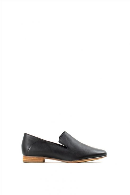 Γυναικεία Δερμάτινα Loafers CLARKS PURE VIOLA BLACK LEATHER