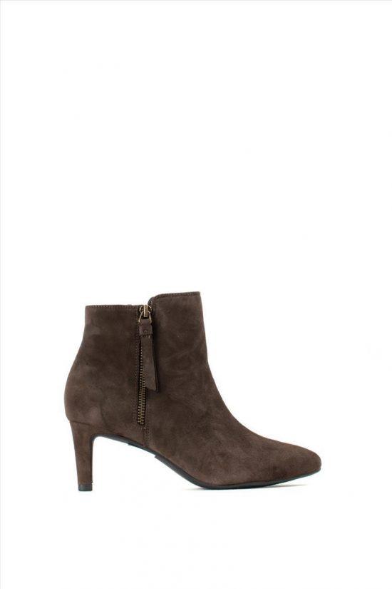 Γυναικεία Suede Ankle Boots CLARKS CALLA BLOSSOM DARK BROWN