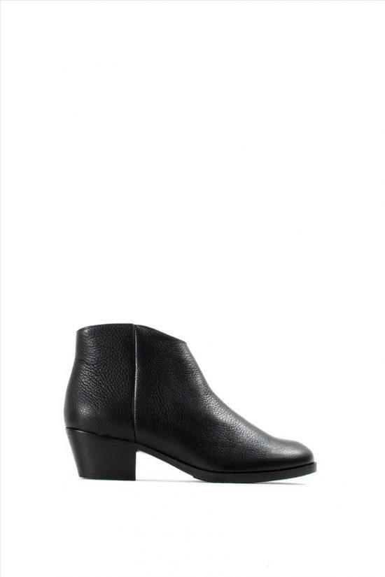 Γυναικεία Δερμάτινα Ankle Shoes CLARKS MILA MYTH BLACK LEATHER